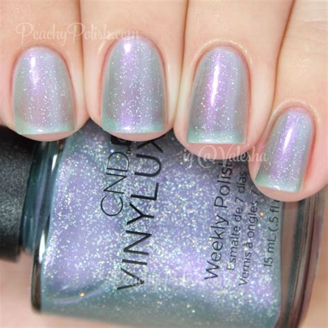 cnd vinylux dazzling dance holiday  gilded dreams