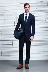Blauer Anzug Schuhe : men 39 s navy check suit white dress shirt brown leather oxford shoes black leather tote bag ~ Frokenaadalensverden.com Haus und Dekorationen
