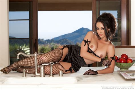 Playmate - Ashley Doris (Playboy Galleries) - Gallery-of-Nudes.com