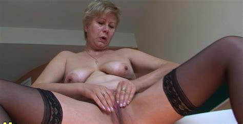 This Horny Mature Slut Creates A Golden Stream Porno