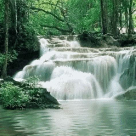 River Waterfalls Live Wallpaper