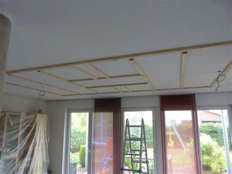 Led Indirekte Beleuchtung Fürs Wohnzimmer by Grundger 252 St Einer Abgeh 228 Ngten Decke F 252 R Eine Indirekte Led