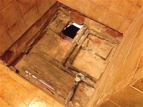 boden auf dippeltramdecke unter dusche nach wasserschaden