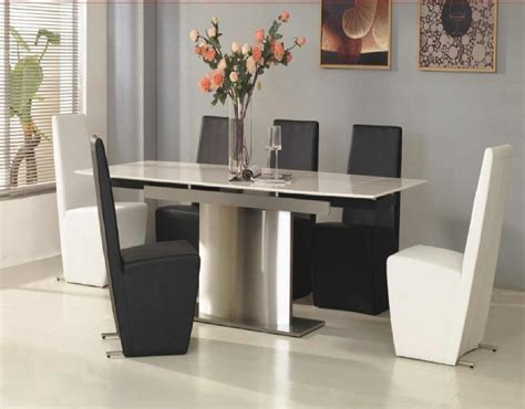 Modern Dining Room Table And Chairs by Modern Dining Room For Modern Lifestyle And Living Amaza