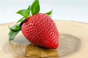 Ab Wann Erdbeeren Pflanzen : wie gesund sind erdbeeren erdbeeren gesund ihre positive wirkung im berblick und erdbeereis ~ Eleganceandgraceweddings.com Haus und Dekorationen