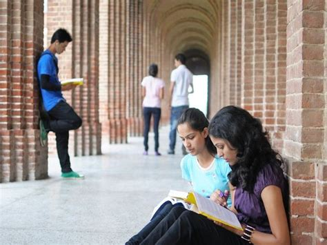 DU Colleges step up efforts to help students - to provide ...