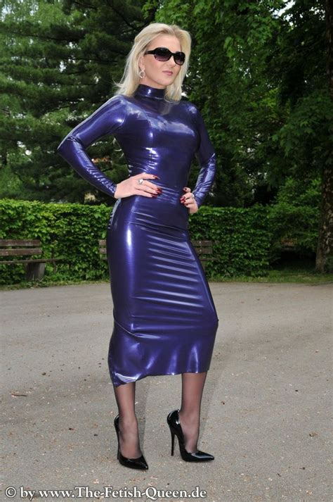 lrcirl latexrubber clothing  regular life photo