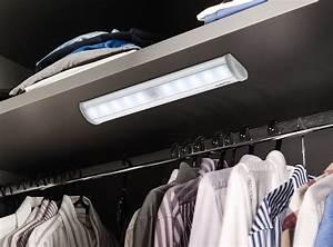 Led Leiste Bewegungsmelder : batteriebetriebenes schranklicht mit bewegungsmelder ~ Eleganceandgraceweddings.com Haus und Dekorationen