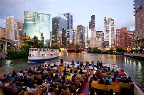 Chicago River Boat Tours by 12 Best Boat Tours In Chicago Essential Things To Do In