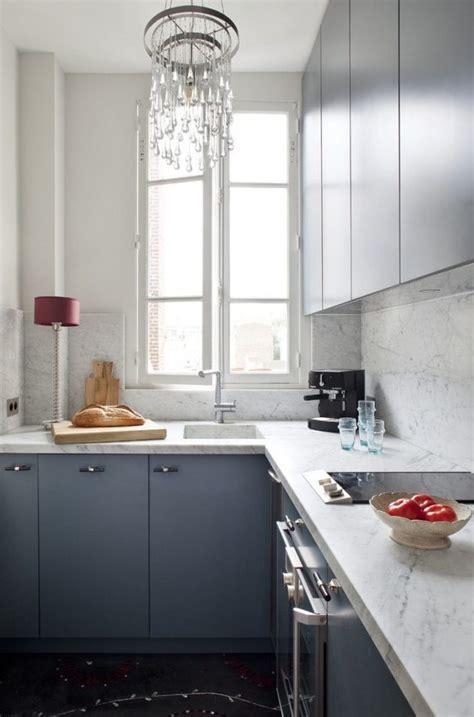 solid  dramatic marble kitchen backsplashes