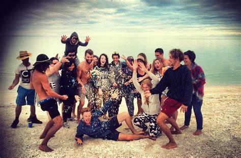 magic bus australia backpacker road trips travels