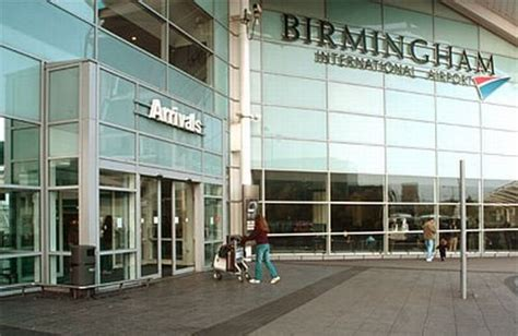 bureau de change birmingham airport plane crash shuts birmingham airport novinite com