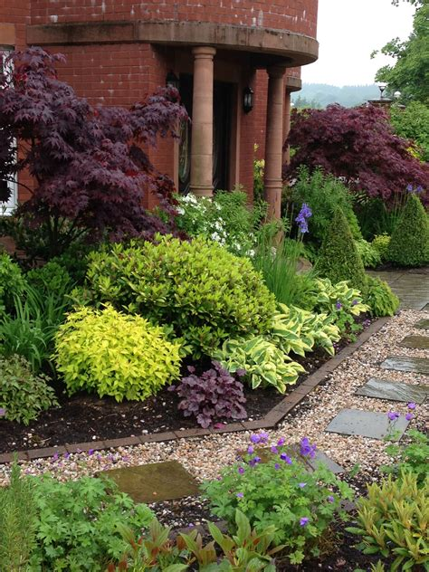 best hardy plants for borders mixed plants shrubs border lookit that johnson s blue hardy geranium they ll be yanking that