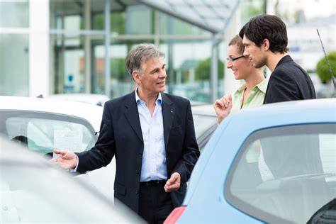 Buying cars: Sales person pressure hated - Green Flag