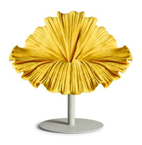 siege en forme de un fauteuil en forme de fleur exotique floriane lemarié