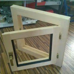 Dřevěné okno 50×50