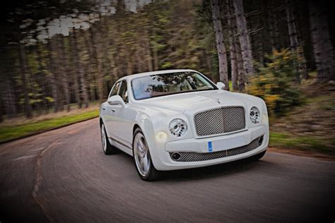 bentley mulsanne white white bentley mulsanne hire leicester luxury car hire