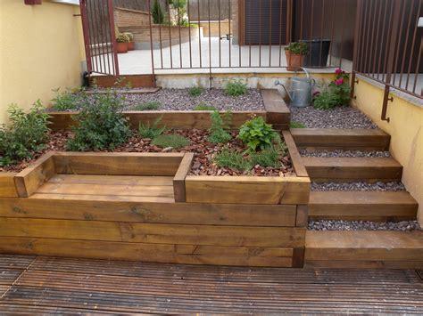 escaleras banco  jardinera resueltos  traviesas de