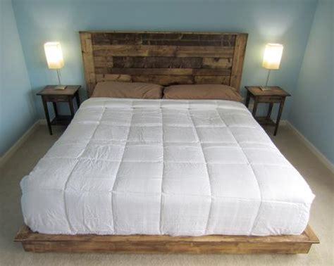 How To Create Beautiful Headboard From Wooden Pallet? Diy Baby Bed Into Bench Pallet Projects For Your Garden Hanging Decorations Birthday Party Patio Chair Ideas Natural Honey Body Wash Black To Grey Ombre Hair Small Pillow Box Cat Tooth Extraction