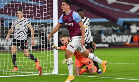 Predicted 3-4-3 West Ham Lineup To Face Leeds United