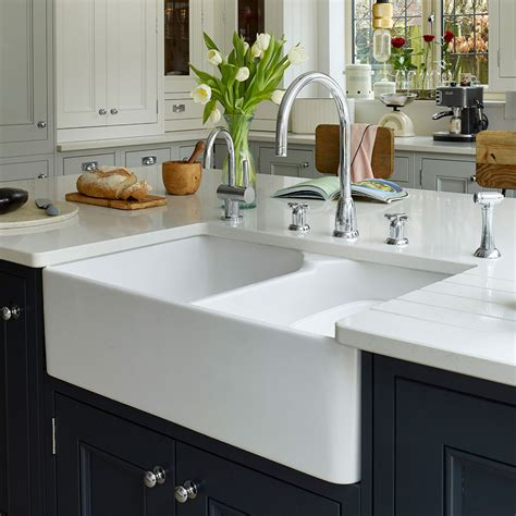 How To Unblock A Sink With Or Without A Plunger