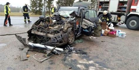 Šausminoša autoavārija piektdien notikusi Apes novadā ...