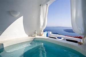 Santorin Hotel Luxe : 12 sensational cave pools in santorini en creation pinterest piscine santorini et maison ~ Medecine-chirurgie-esthetiques.com Avis de Voitures