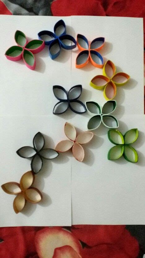 Make some interesting shapes that will make your space more also you can make decorative mirrors with toilet paper rolls. Toilet paper roll wall art. #DIY #smartartstuff   Jeux enfants, Creations, Jeux