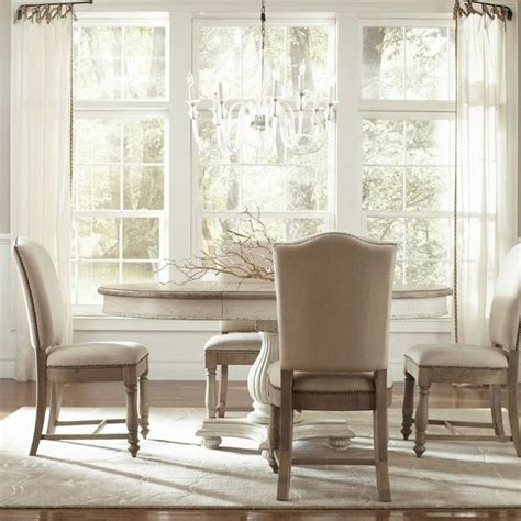 Coventry RoundOval Dining Room Set, Riverside