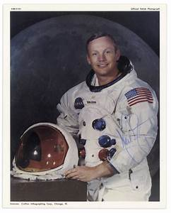 Lot Detail - Neil Armstrong Signed 8'' x 10'' Photo ...