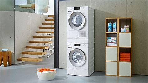 trockner und waschmaschine übereinander stellen miele waschmaschinen trockner und b 252 gelger 228 te