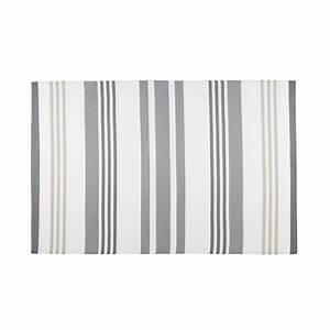 Tapis Blanc Et Gris : tapis de jardin en tissu ray gris et blanc 180x270cm ~ Melissatoandfro.com Idées de Décoration