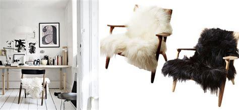 ou trouver des coussins pour canapé où trouver de la déco en fausse fourrure joli place