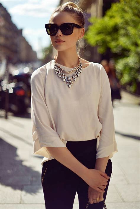 ways  wear statement necklaces
