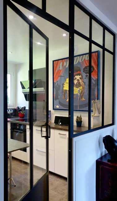 cuisine a monter soi meme verrière intérieure avec porte battante dans cuisine