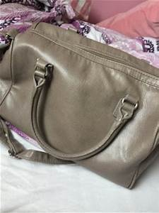 Schwarze Tasche H M : h m umh ngetaschen g nstig kaufen second hand m dchenflohmarkt ~ Watch28wear.com Haus und Dekorationen