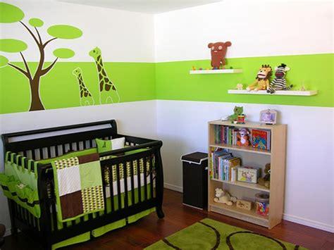 chambre bebe verte 7 idées de chambres de bébé joliment teintées de vert