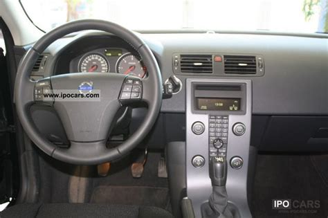 volvo   kinetic heated seats cruise control