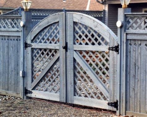 arched lattice double gate gardening dont fence