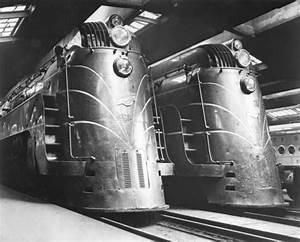 Reaganite independent art deco streamliner trains of the 30s for Art deco train interior