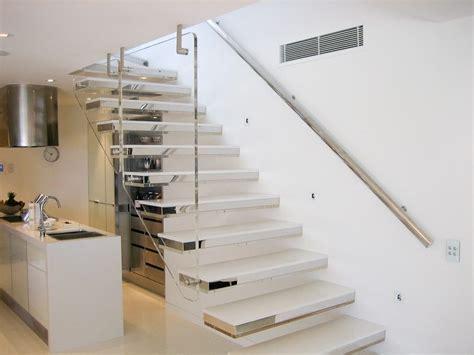 chaise pour ilot de cuisine escaleras modernas minimalistas imágenes y fotos