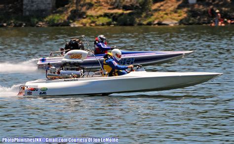 Drag Boat Racing by Drag Boat Racing