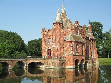 kasteel ten berge castle  brugge belgium belgium