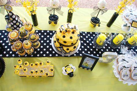 The Tomkat Studio {sweet Customers} Adorable Bumble Bee