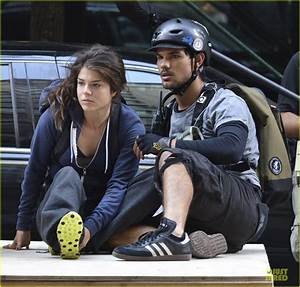 Taylor Lautner & Marie Avgeropoulos: 'Tracers' Scenes on ...