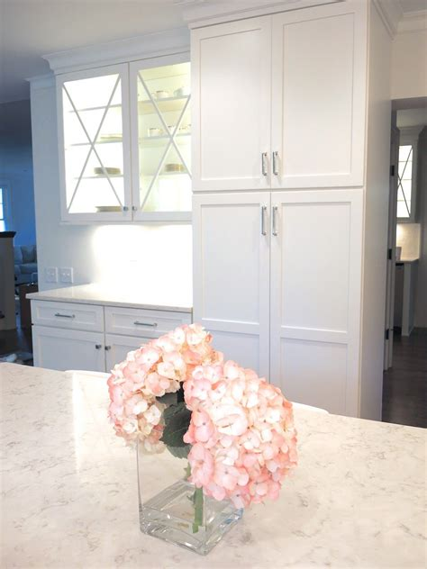 white shaker cabinets with quartz countertops white kitchen shaker cabinets quartz countertops lg minuet