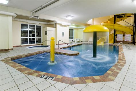 piscine salle dexercice super  hotels sainte agathe