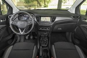 Opel Crossland X Fiche Technique : essai comparatif l 39 opel crossland x d fie le renault captur 2017 photo 35 l 39 argus ~ Medecine-chirurgie-esthetiques.com Avis de Voitures