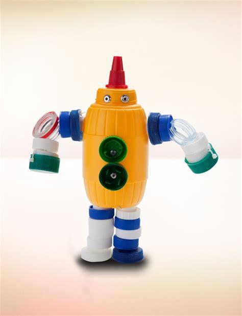 robot en material reciclable m 225 s de 25 ideas incre 237 bles sobre robot con material