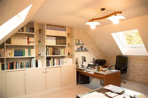 bureau sous comble cette maison de l 39 eure s 39 offre une grande mezzanine sous